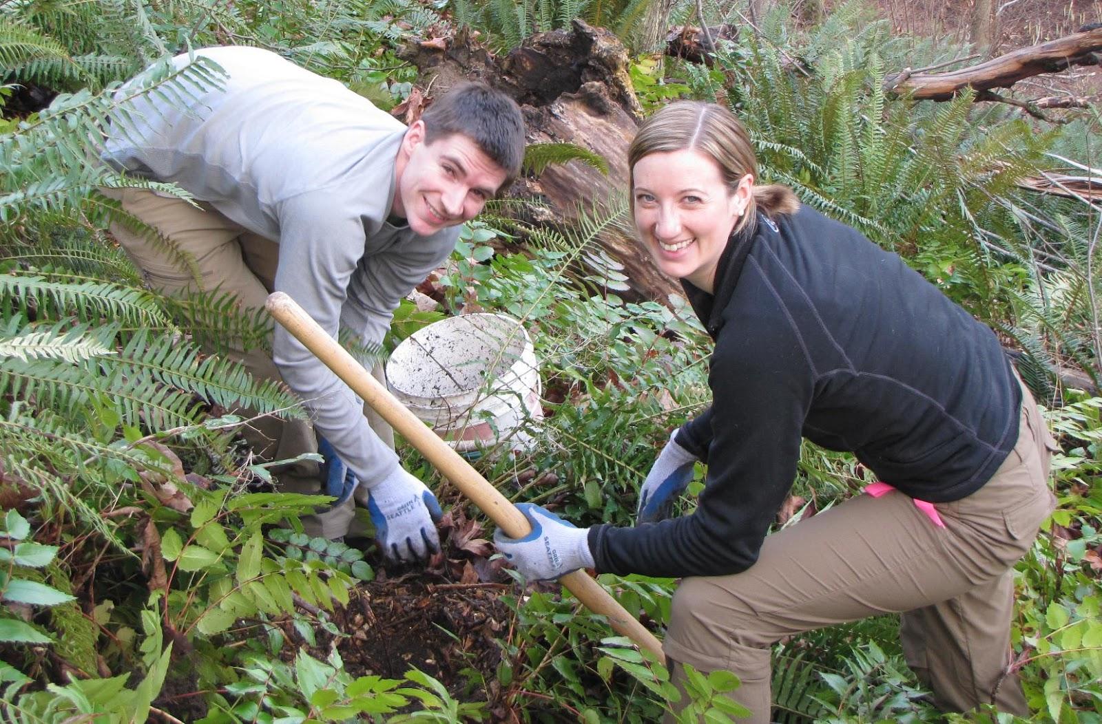 A couple doing volunteering work