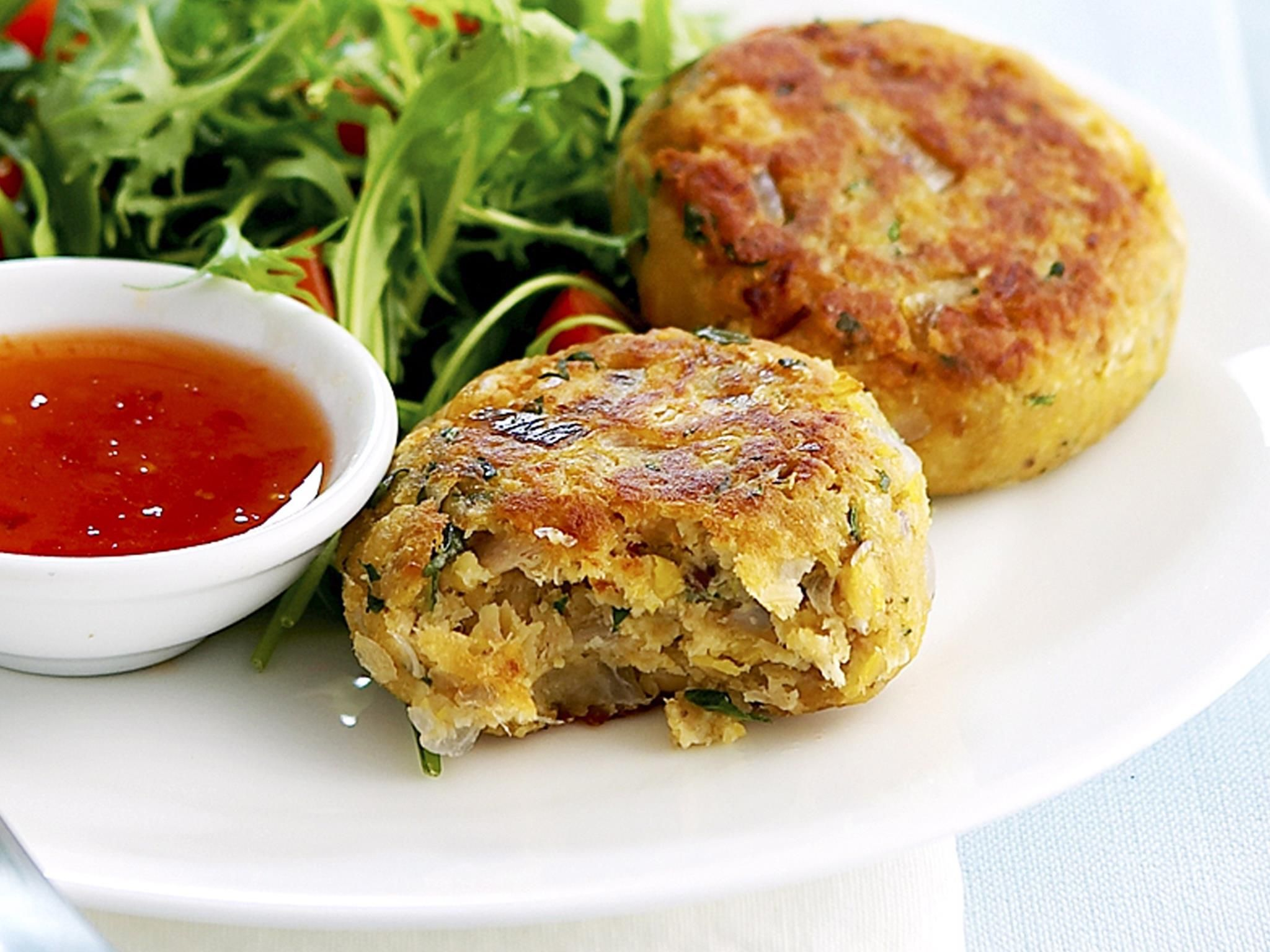 A Simple Recipe for Scrumptious Tuna and Chickpea Patties